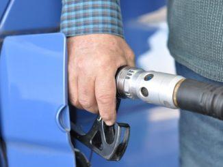 Contrabbando di carburanti, perquisizioni ed arresti da Milano a Brindisi